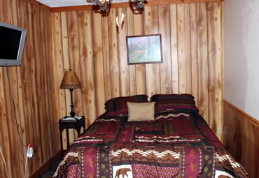Black Bear Suite bedroom